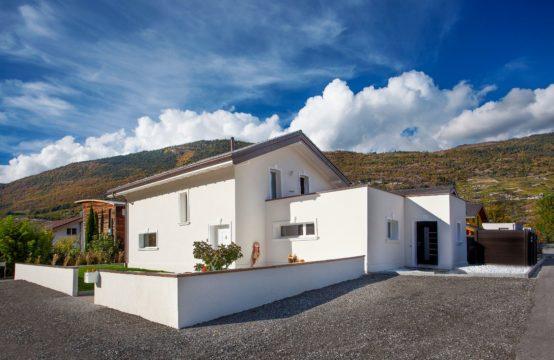 EDEN Immobilier | Villa Double bien-être | Haut de Gamme Villa 5.5 pièces + appartement indépendant de 2.5 pièces | Piscine | Terrasse |