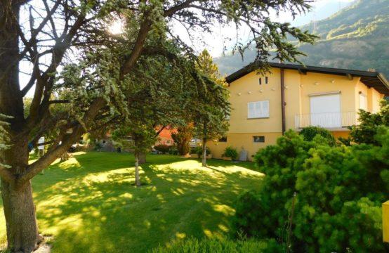 Maison individuelle avec grand jardin + parcelle constructible